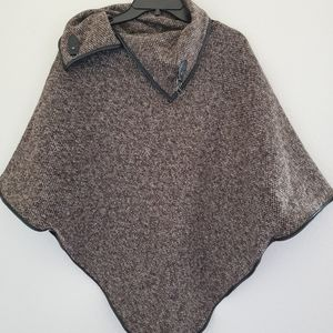 NWT David and Young pullover Cape
